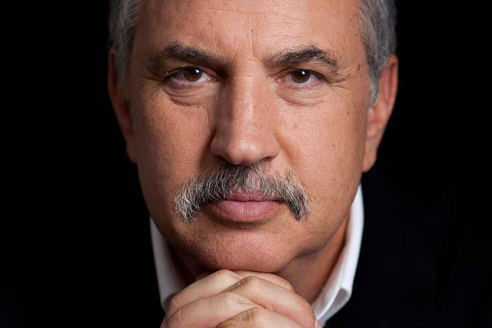 Image of three-time Pulitzer Prize winner and New York Times columnist Tom Friedman